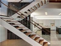 玻璃材质楼梯有什么优点  楼梯适合使用玻璃材料吗