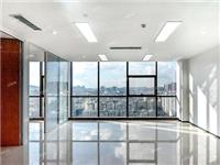 落地玻璃窗能发挥的作用  该如何铺设钢化玻璃地板