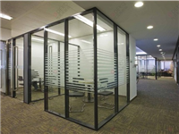 如何做好玻璃隔断的运输  玻璃材质隔断该怎么保养