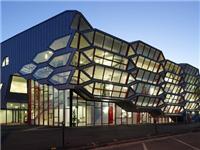 大厦幕墙玻璃如何来更换  幕墙玻璃产品的主要特点
