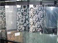 如何在玻璃表面印刷图案  艺术玻璃的图案怎么印的