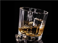 怎么区分水晶和玻璃材料  玻璃奖杯开裂可以修复吗