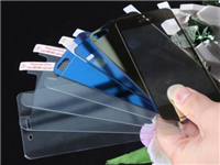 手机钢化玻璃膜能防摔吗  钢化玻璃手机贴膜的优点