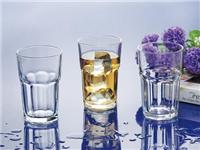 玻璃水杯有什么选购方法  玻璃杯怎样轻松去除茶垢