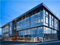 单元式玻璃幕墙结构特点  玻璃幕墙的管理保护方法