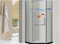 为什么要安装玻璃淋浴房  淋浴房用哪种玻璃没水渍