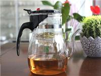 透明玻璃茶壶的材质特点  玻璃茶具泡茶有何优缺点