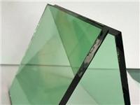 绿颜色的玻璃有几种类型  镀膜玻璃功能特点与类别