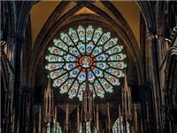 教堂彩窗用的是什么玻璃  彩绘玻璃的生产制造方法