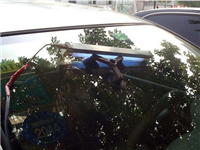 修复汽车玻璃的具体操作  玻璃表面的划痕怎么消除
