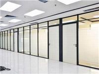 玻璃隔断安装哪种玻璃好  玻璃隔断磨砂贴膜怎么贴