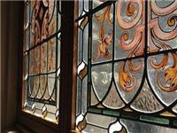 玻璃彩绘工艺的具体步骤  钢化玻璃隔断墙怎么施工