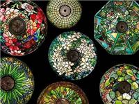 彩绘艺术玻璃该怎样生产  彩绘玻璃吊顶的施工方法