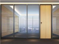 玻璃隔断有什么施工标准  如何选择优质的玻璃隔断