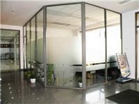 玻璃隔断安装施工的方法  使用玻璃隔断有什么好处