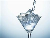 玻璃杯应该怎样去除茶垢  什么样的玻璃杯质量更好