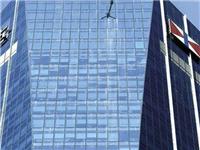 玻璃幕墙该怎么清洁保养  玻璃幕墙怎样避免光污染