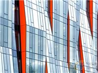 幕墙玻璃清洗方法  玻璃清洗剂的性能与用途