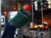 山东威海:玻璃生产车间赶制年货忙