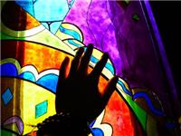 彩绘玻璃有几种制作方法  玻璃材料有什么着色方法
