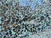 哪种玻璃的碎片不会伤人  钢化玻璃的加工制作方法