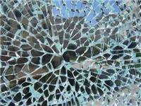 哪些因素会导致玻璃碎裂  玻璃切割怎样能避免爆边
