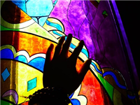 彩绘玻璃的制作流程方法  烤漆玻璃材料有什么特点