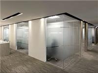 玻璃喷砂与蒙砂磨砂区别  磨砂玻璃的具体制作步骤