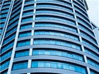 高层建筑玻璃窗怎么清洁  擦玻璃有哪些方便的工具