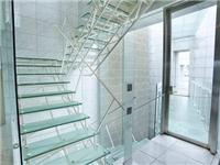 钢化玻璃适合做成楼梯吗  钢化玻璃有哪些常用领域