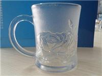 刻花玻璃材料有什么特点  化学制作磨砂玻璃的方法