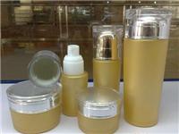 为何常用玻璃瓶来装饮料  玻璃包装瓶原料与制造法