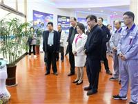 石家庄市副市长蒋文红一行莅临平板显示玻璃技术和装备国家工程实验室考察调研