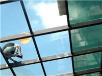 防爆玻璃有什么特点  防爆玻璃和钢化玻璃有什么区别