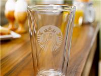 双层玻璃杯拥有什么特点  玻璃水杯清除茶垢的方法