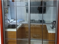 怎么辨别玻璃推拉门是否是钢化玻璃  厨房和餐厅的推拉门用什么好