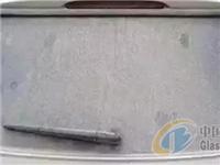 清除玻璃划痕的具体步骤  汽车玻璃划痕蜡有何作用