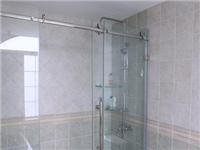 玻璃淋浴房的种类与区别  怎样去除玻璃表面的水锈