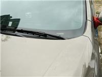 挡风玻璃出现裂缝怎么办  汽车玻璃产生裂缝怎么补