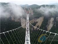 霍城县中华福寿山景区玻璃栈桥玻璃漂流道预计6月投用
