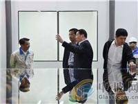 国家发改委产业协调司领导到超薄玻璃生产线调研
