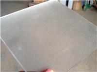 玻璃和玉石该怎么来区分  玉石玻璃材料有什么特点