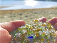 日本玻璃沙滩色彩缤纷走红网络 宛如宝石引网友打卡