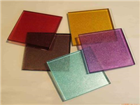 有色玻璃的颜色来自哪里?