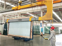 郴州旗滨首次启用U型吊臂,让玻璃出厂更安全便捷!