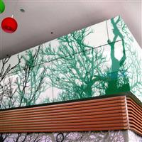 彩绘玻璃背景墙