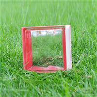 边彩红玻璃砖