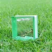 边彩绿玻璃砖