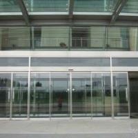 津南区安装玻璃门技能