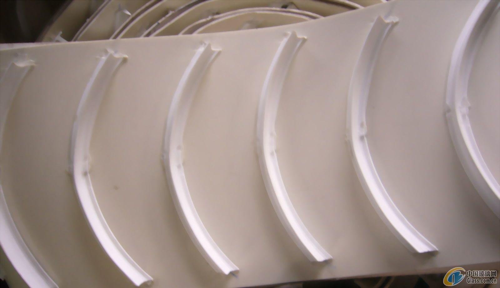弧形挡板输送带-青岛弧形挡板输送带-青岛林欣源工业